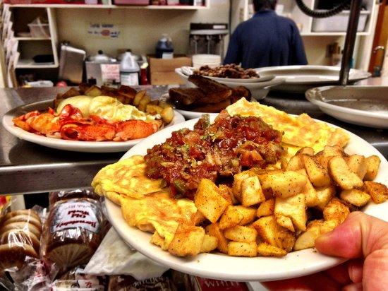 Glen Junction: Serving Up All Your Favorite Meals!