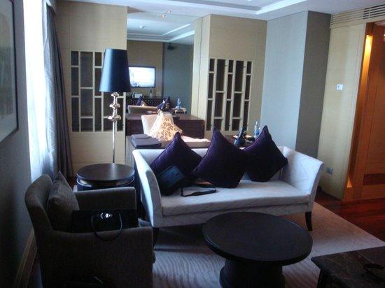 Sofitel Bangkok Sukhumvit Prestige Suite Living Room