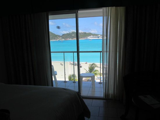 Sonesta Great Bay Beach Resort, Casino & Spa: this what you see when you wake up :)