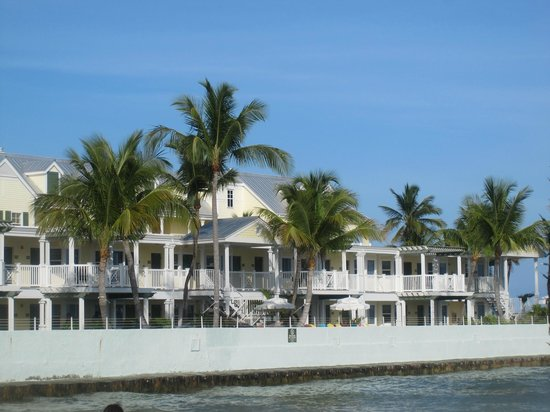 Southernmost Beach Resort: View of Southernmost on the Beach from the Southernmost Cafe