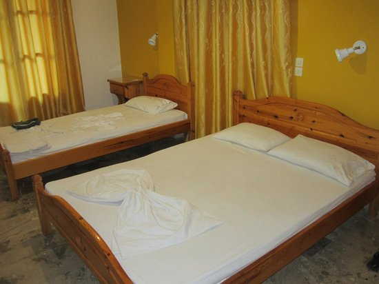 Vassiliki Rooms: our triple room