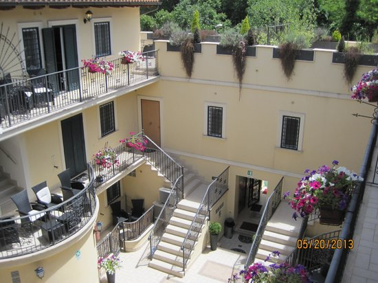 Aurelia Vatican Apartments: View from the balcony