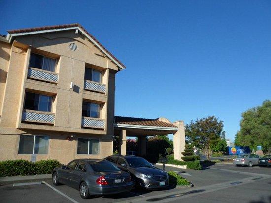 Comfort Inn Cordelia: Hotel's Entrance
