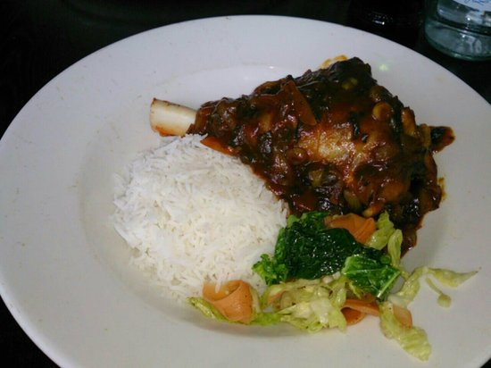 Yetis' Retreat: Lamb shank in Aduwa sauce