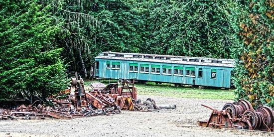 Camp 18 Gift Shop & Restaurant : old logging equipment