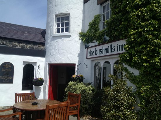 The Bushmills Inn Hotel: Picturesque property