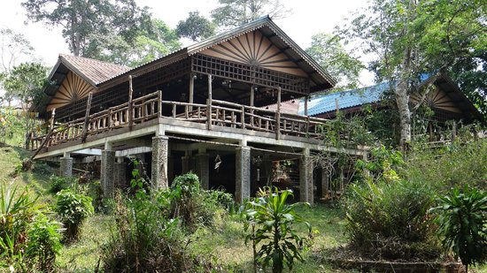 Baan E-Tu Waterfall Resort : restaurant outside view 2