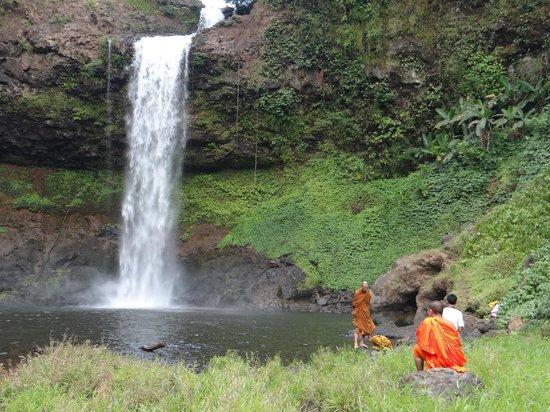 Baan E-Tu Waterfall Resort: own waterfall E-tu and swimming pool 4