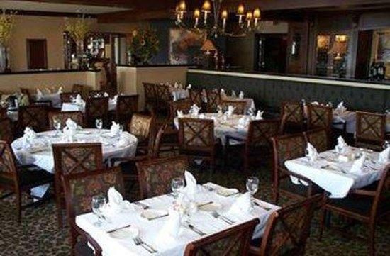 The Inn on the Lake: Restaurant