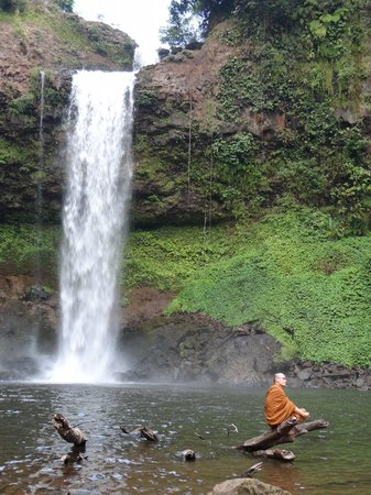 Baan E-Tu Waterfall Resort: own waterfall E-tu and swimming pool 5