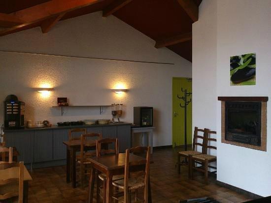 Hotel la Mirandole: salle petit déjeuner