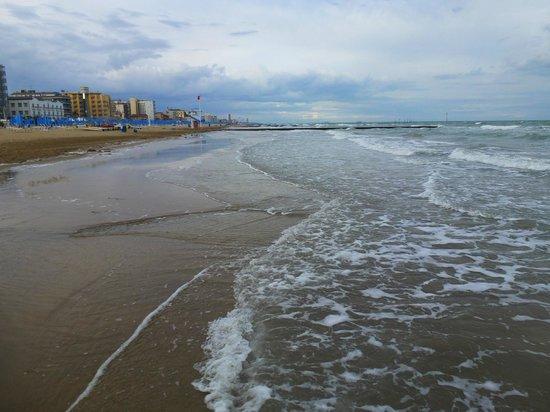 Hotel Lilia: strand