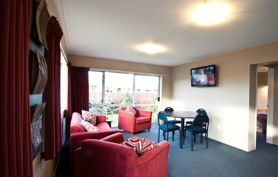 Phoenix Motel: One of four spacious, modern Family Units