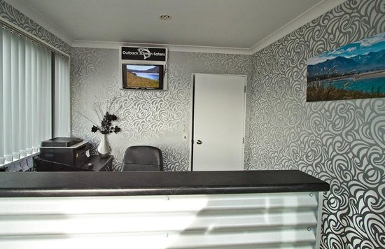 Phoenix Motel: Reception Area - Check out