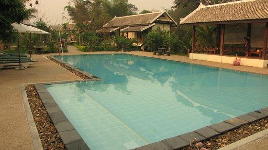 Luang Prabang Paradise Resort: swimming pool 2
