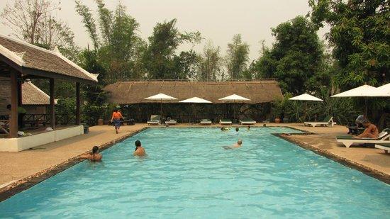 Luang Prabang Paradise Resort: swimming pool
