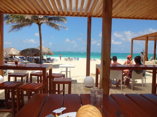 Caribe Club Princess Beach Resort & Spa: Strandbar
