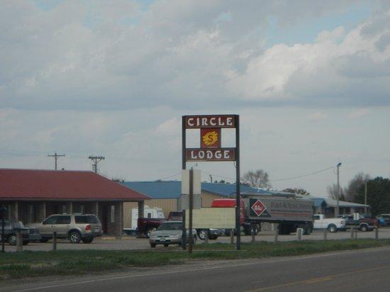 Circle S Lodge: Motel front