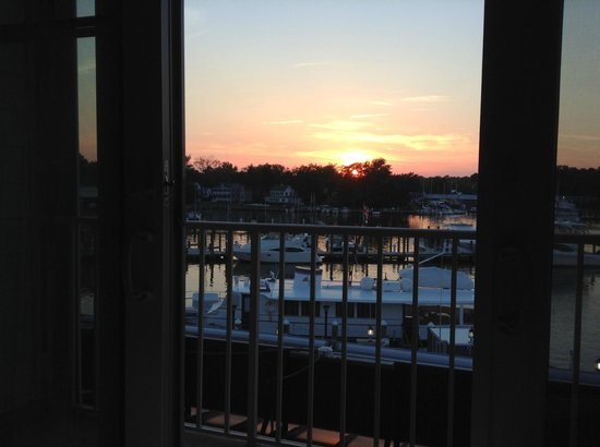 St. Michaels Harbour Inn Marina & Spa: Out our room window