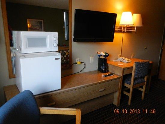 Super 8 Valentine NE: room amenities