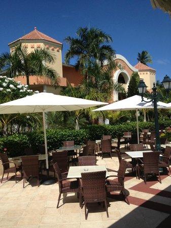 Luxury Bahia Principe Ambar Blue Don Pablo Collection: Seating outside lobby area