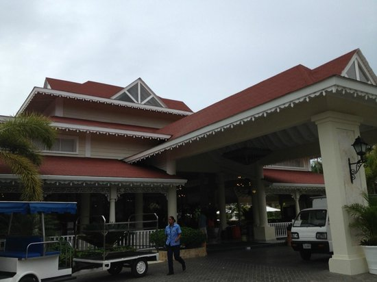 Luxury Bahia Principe Ambar Blue Don Pablo Collection: Front of hotel