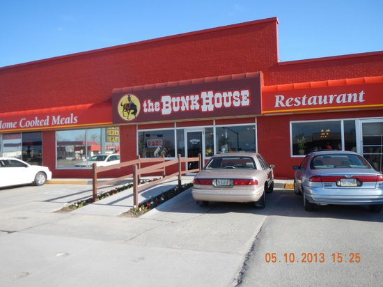 The Bunkhouse Restaurant and Lounge: building front