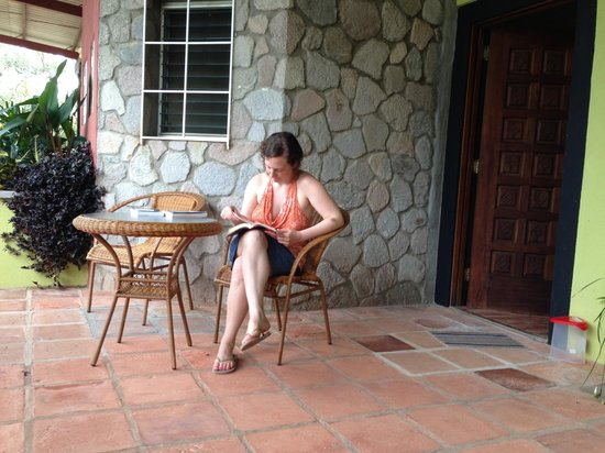 The Golden Frog Inn: Our patio