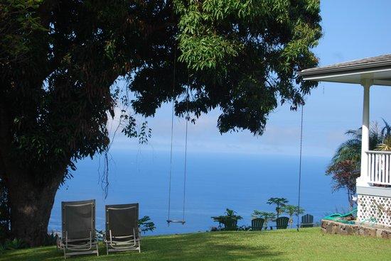 Ka'awa Loa Plantation: A place to sit and see the amazing view