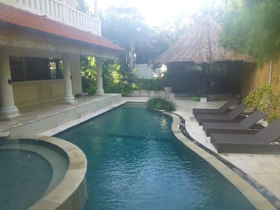 Villa Coco: Add a caption
