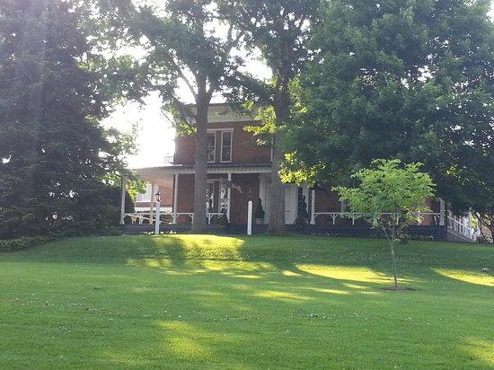 Washington and Lee University : House on Campus