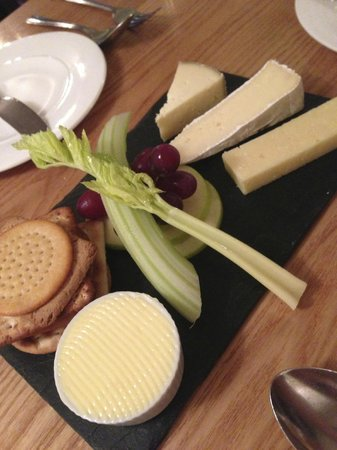 No. 4 Dine & Wine: Selection of British Cheeses