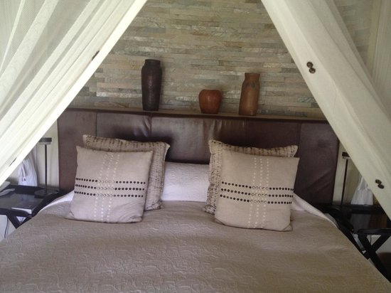 Impodimo Game Lodge: comfy bed