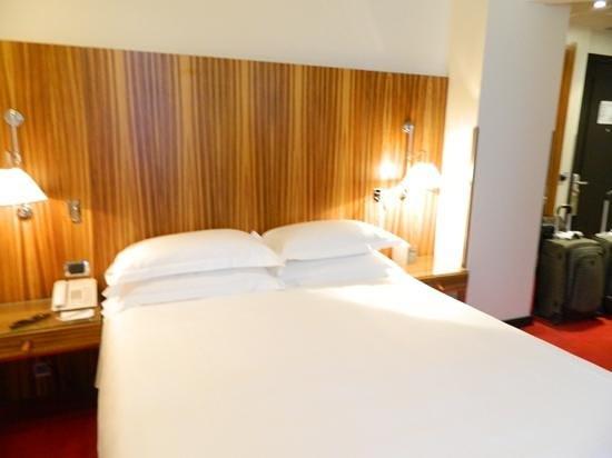 Starhotels Anderson: Cama muito confortável!