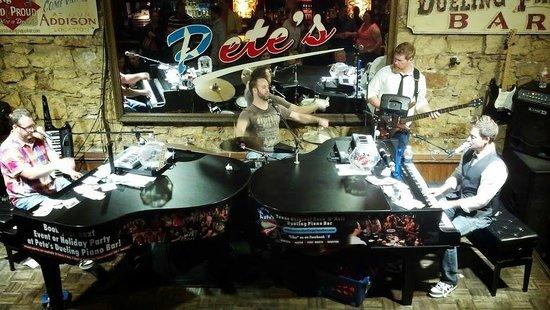 Pete's Dueling Piano Bar: Piano Bar Musicians