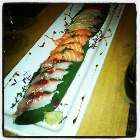 Sushi Pearl: Exemplo de diferentes tipos de sashimi