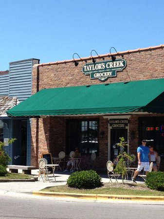 Taylor's Creek Grocery: Nice place