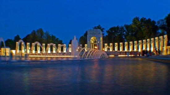 National World War II Memorial: WW2 memorial at night