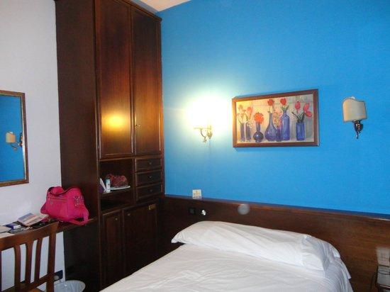 camera da letto - Picture of Cristallo Hotel Torino, Turin - TripAdvisor