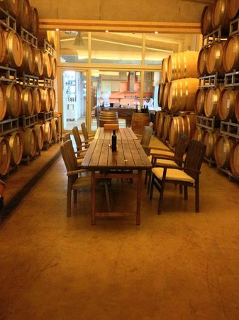 Valdonica Winery & Vineyard Residence : Picture of the Winery Interior