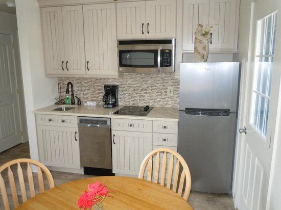 The Beachcomber Resort: Two Bedroom/One Bath Penthouse Suite Kitchen Area