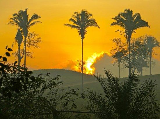 Clarissa Falls Resort : Sunrise