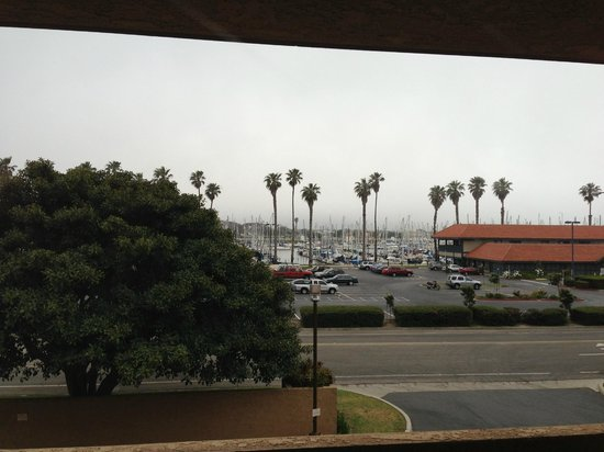 Four Points by Sheraton Ventura Harbor: Harbor View Preceded by Parking Lot View