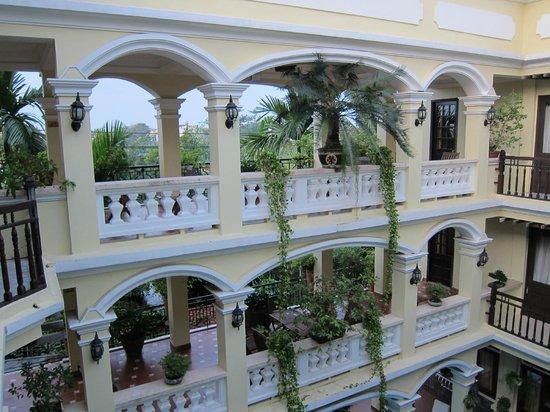 Thuy Duong 3 Hotel: outside