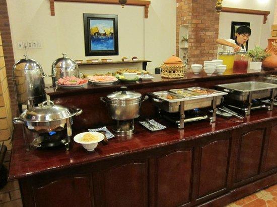Thuy Duong 3 Hotel: breakfast buffet
