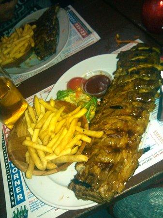 Satellite Sports Cafe : Super ribs!!! a volontà!!! ;)