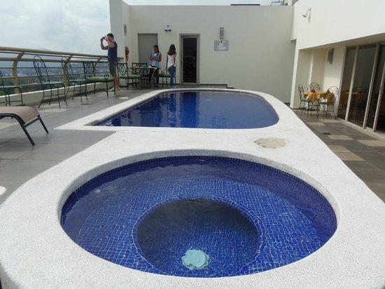 Clarion Suites Las Palmas.: Roof Top Pool