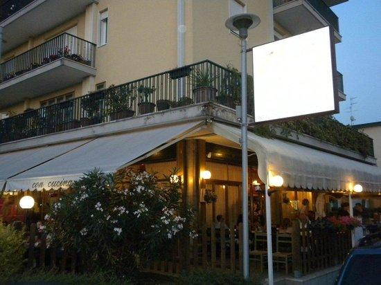 Pizzeria Capri : Esterno