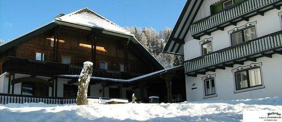 Bacherhof Schlick : Haus Winteransicht