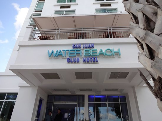 San Juan Water & Beach Club Hotel: Hotel front
